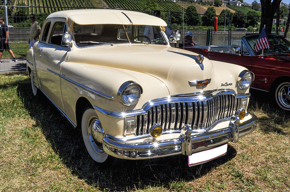 DeSoto Custom 4-door Sedan - American Roadrunners 2018, Stadtbredimus