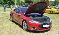 Tesla Model S - American Roadrunners 2018, Stadtbredimus