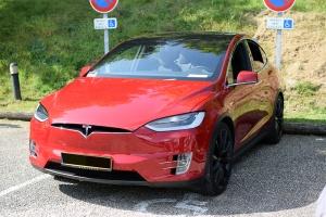 Tesla Model X - Automania 2017, Manderen, Château de Malbrouck