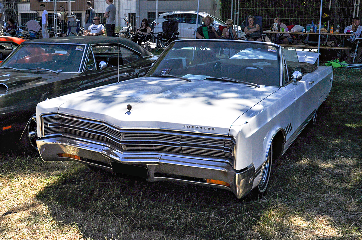 Chrysler 300 non-Letter Series III