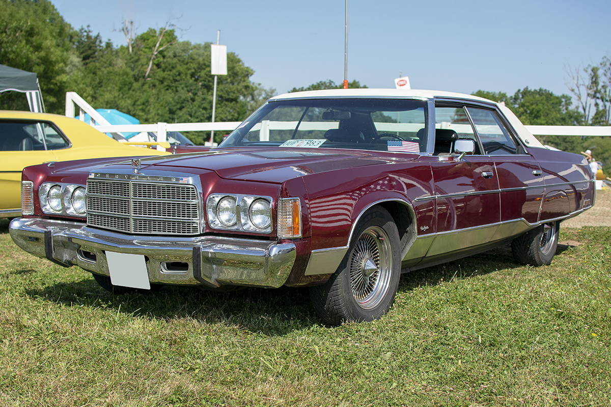 Chrysler New Yorker IX