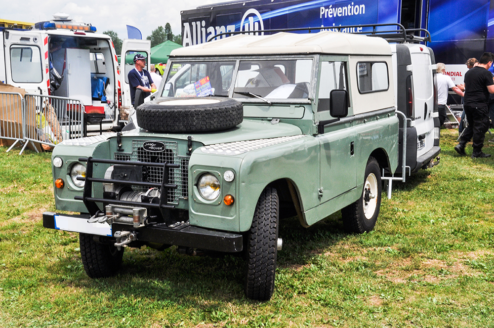 Land Rover Defender I