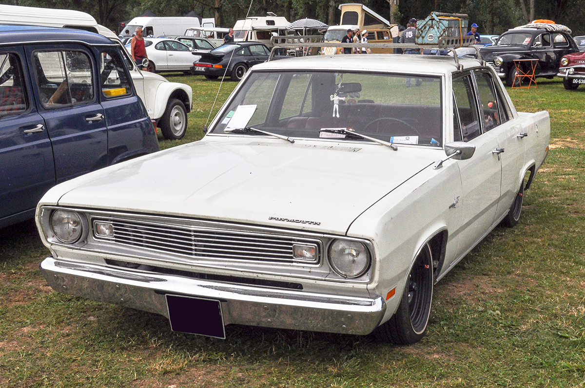 Plymouth Valiant III
